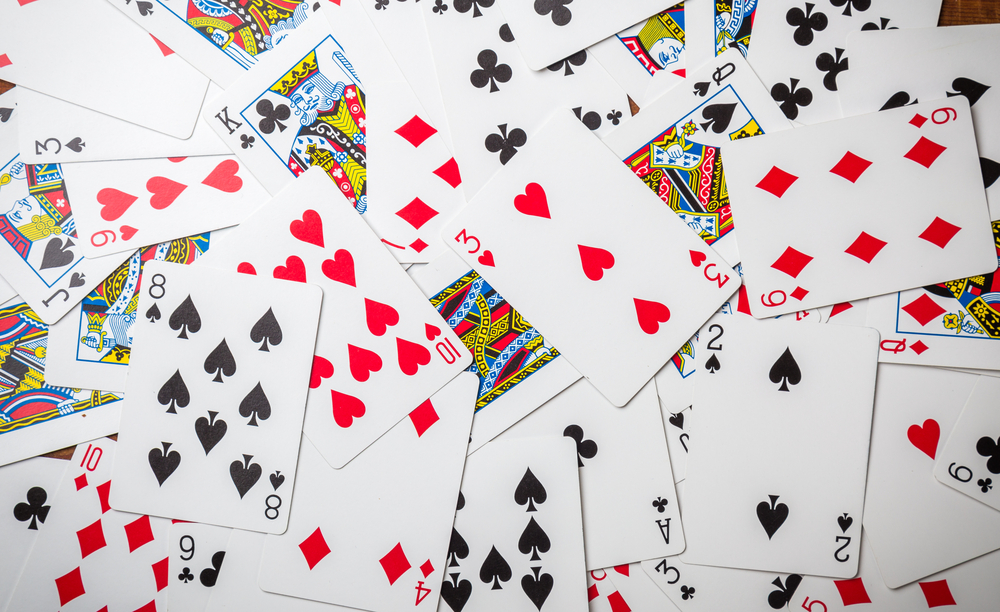 How Can Family Card Games Improve Your Family Life?