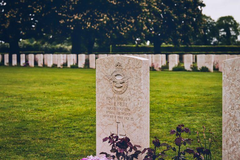 Veteran memorial grave to visit on memorial day